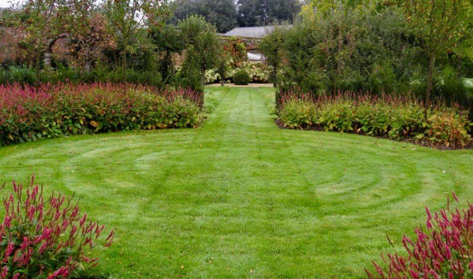 Broadlands Estate Hampshire - Lawns & Flower Beds
