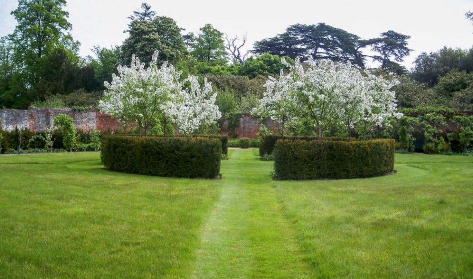 Broadlands Estate Hampshire - Lawns and Hedges