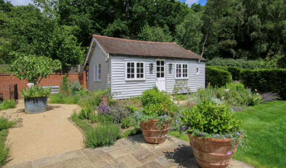 Country House, Berkshire - Timber Hut in an English Country Garden