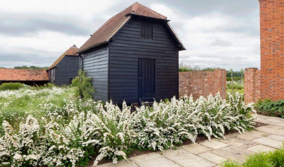 Farmhouse Hampshire - Black Timber Outbuilding