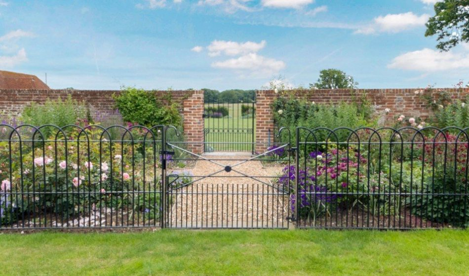 Farmhouse Hampshire - Gate, Fence and Flower Borders