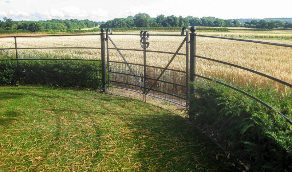 Farmhouse Hampshire - Metal Gate Overlooking Fields