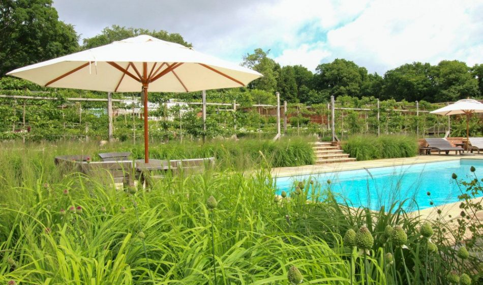 Georgian House, Hampshire Project - Outdoor Swimming Pool with Table & Chairs