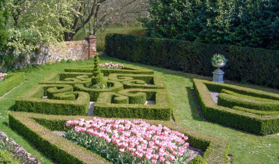 Houghton Lodge Hampshire - Spring Box Hedges and Tulips