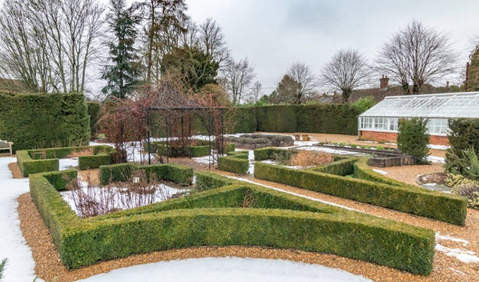Manor House Hampshire - Formal Gardens in Winter