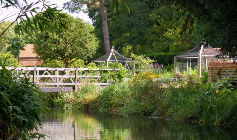 Mill House Surrey - Decorative Timber Bridge