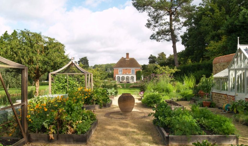 Mill House Surrey - English Country Garden with Raised Beds