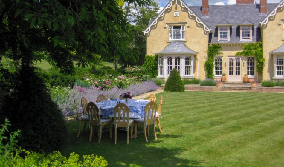 New Cottage Orné, Hampshire - Formal Lawn with Dining Table underneath a Tree