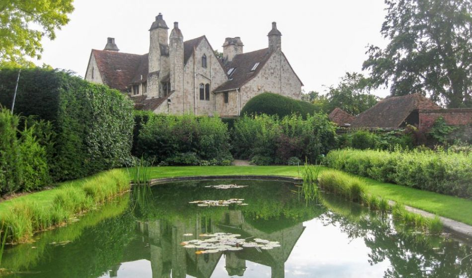 Old Rectory Berkshire - Pond with Water Lilies