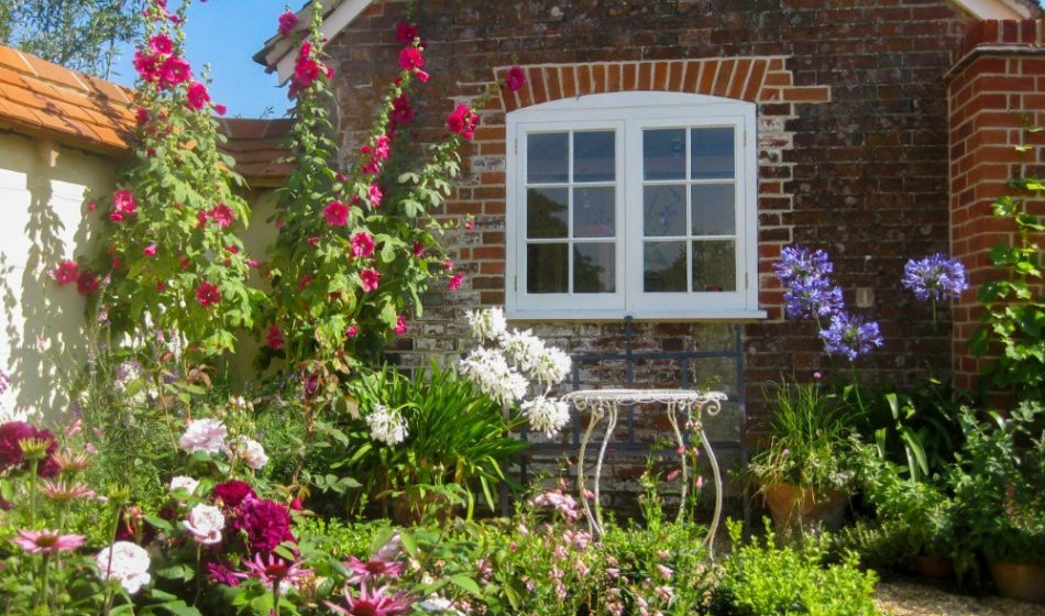 Victorian House, Hampshire - Cottage Garden Plants