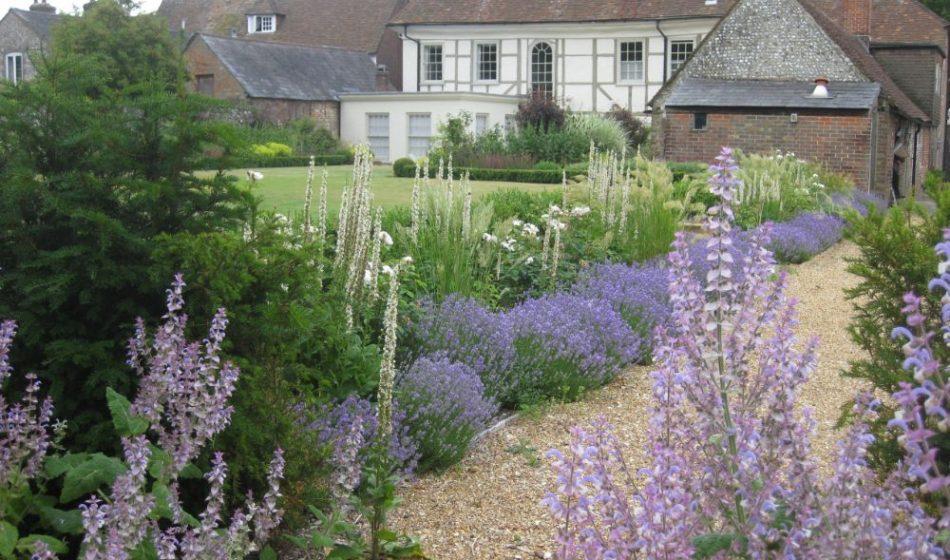 Village House Hampshire - Garden Pathway