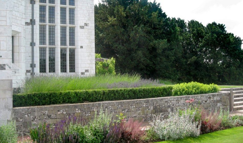Marsh Court Hampshire - Borders & Hedges