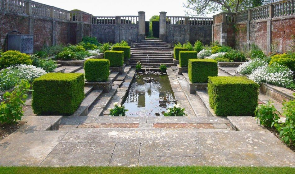 Marsh Court Hampshire - Formal Pond and Water Feature