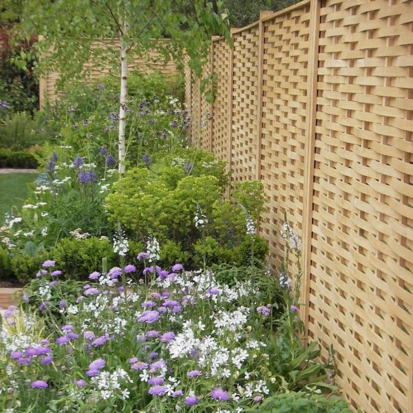 Oak woven fence by Quercus Fencing