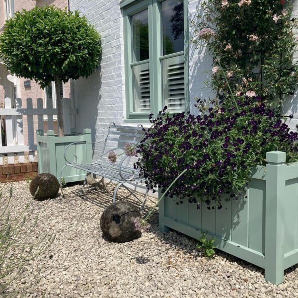 The Hertford Planter by Oxford Planters